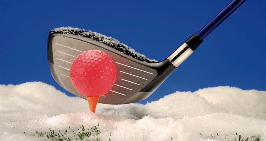 Ganzjährig golfen. Die Anlage ist immer geöffnet, dazu gibt es Indoor- und überdachte Trainingsbereiche.